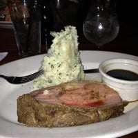 Photo taken at J. Alexander's Restaurant by Nelly C. on 11/22/2012