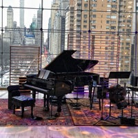 Foto diambil di Jazz at Lincoln Center oleh Evan Z. pada 3/23/2018