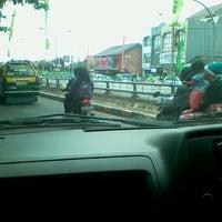 2/9/2013에 evandrio k.님이 Perempatan Lampu Merah Ciledug에서 찍은 사진