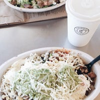 Photo taken at Chipotle Mexican Grill by Yahdiel O. on 10/2/2015