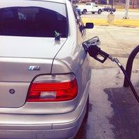 Photo taken at Exxon / 7-Eleven by Yahdiel O. on 1/9/2014
