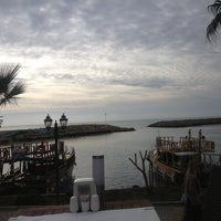 3/7/2013 tarihinde edg€g@kziyaretçi tarafından Liman Restaurant Lounge Club'de çekilen fotoğraf