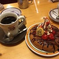 Photo taken at Komeda's Coffee by melno on 1/7/2017