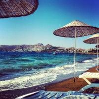 9/1/2013 tarihinde CllMrtAkcrziyaretçi tarafından Pina Lounge Cafe & Beach'de çekilen fotoğraf