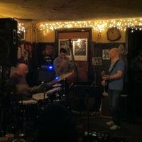 Das Foto wurde bei 55 Bar von Alexandros B. am 10/26/2012 aufgenommen