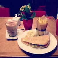 Снимок сделан в Чашка Espresso Bar пользователем Dashenka 4/12/2013