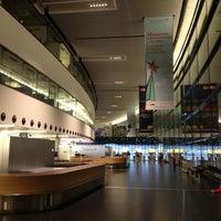 2/16/2013 tarihinde Stenoziyaretçi tarafından Viyana Uluslararası Havalimanı (VIE)'de çekilen fotoğraf