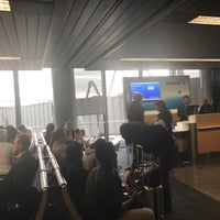 Photo taken at Gate H6 by Darrin T. on 8/4/2017