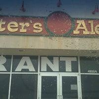 Foto tomada en Hunter's Ale House por Rachel 🔬 S. el 5/22/2013