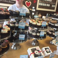Photo taken at Flavor Cupcakery by Grace M. on 2/14/2017