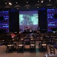 Photo taken at Hard Rock Café by Abdullah on 2/9/2013
