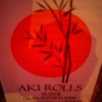 2/2/2013 tarihinde Kristal S.ziyaretçi tarafından Aki Rolls'de çekilen fotoğraf