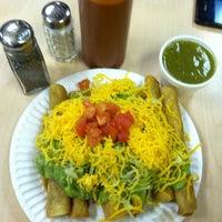 Foto tirada no(a) JV's Mexican Food por Marie em 12/27/2012