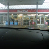 Photo taken at RaceTrac by MOMO on 12/14/2012
