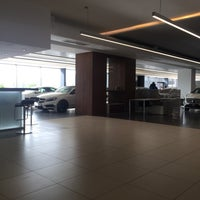 Photo taken at OTOMOL BMW Borusan Otomotiv Yetkili Servisi by Abdullah A. on 2/15/2018