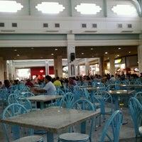 Foto tirada no(a) Praça de Alimentação por Saulo V. em 9/29/2012