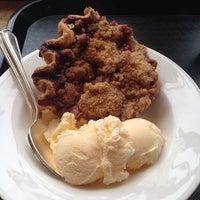 10/11/2013 tarihinde Natalie M.ziyaretçi tarafından Pie Sisters'de çekilen fotoğraf