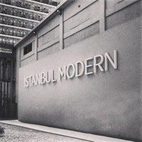 8/18/2013 tarihinde Sereja K.ziyaretçi tarafından İstanbul Modern'de çekilen fotoğraf