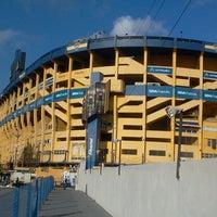 "Foto tirada no(a) Estadio Alberto J. Armando ""La Bombonera"" (Club Atlético Boca Juniors) por Nicolás C. em 4/3/2013"