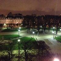 Foto tomada en Plaza de los Vosgos por Hadrien M. el 11/27/2012