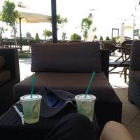 7/7/2013 tarihinde Erdinçziyaretçi tarafından Starbucks'de çekilen fotoğraf