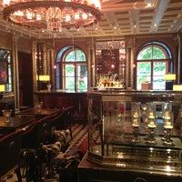 Снимок сделан в Four Seasons Hotel Lion Palace St. Petersburg пользователем Denis V. 7/16/2013