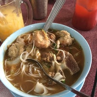 Photo taken at Man Bakso by Official W. on 11/12/2017