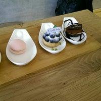 Photo taken at 樂緹波兒 La petite tarte by YuRen J. on 2/28/2014