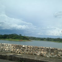 Photo taken at Bendungan Karangkates by Eva dewi on 1/13/2013