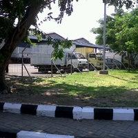 Photo taken at Gudang JAS Ekspor Cargo Area Bandara Soekarno Hatta by Dian P. on 3/23/2013