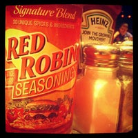 Photo taken at Red Robin Gourmet Burgers by Melissa P. on 9/15/2012