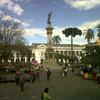 Foto tomada en Plaza Grande por Crisduman B. el 1/11/2013