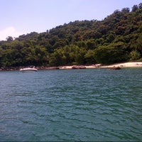 Photo taken at Ilha das Couves by Maria l. on 2/13/2013