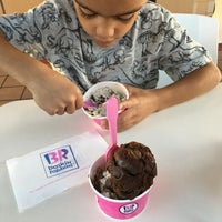 Photo taken at Baskin-Robbins by Beverly P. on 10/18/2016
