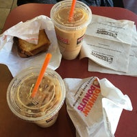 Photo taken at Dunkin' Donuts by Elif Y. on 4/17/2016
