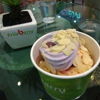 Photo taken at FruzBerry by Nattsu on 7/19/2013
