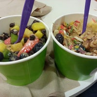 Photo taken at Green Apple Self Serve Frozen Yogurt by Tania W. on 3/2/2013
