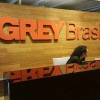 Foto tirada no(a) Grey Brasil por Ricardo N. em 6/21/2016