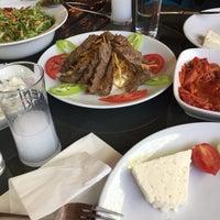 Das Foto wurde bei Alkanat Restaurant von Mami am 5/21/2017 aufgenommen
