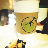Foto scattata a Green Tomato Cafe da Liz il 1/29/2013