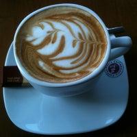 10/20/2012 tarihinde Funda Ç.ziyaretçi tarafından Coffeemania'de çekilen fotoğraf