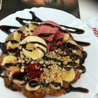 Снимок сделан в WaffleStop пользователем 🎀Özge🎀 9/30/2012