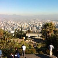 Das Foto wurde bei Cumbre Cerro San Cristóbal von Wladimir S. am 5/19/2013 aufgenommen