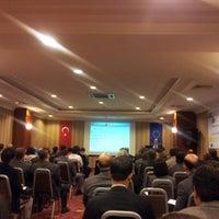 Das Foto wurde bei The Green Park Taksim Hotel von Yusuf A. am 11/13/2012 aufgenommen