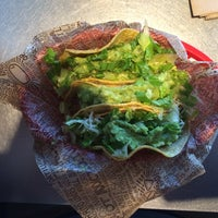 Photo taken at Chipotle Mexican Grill by Arturo on 12/3/2013