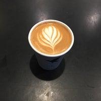 Снимок сделан в Irving Farm Coffee Roasters пользователем Dafna L. 10/20/2017