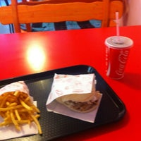 Photo taken at Grila Burgers by Vol-T on 12/22/2012