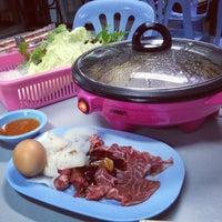 Photo taken at ลาบชาววัง by Mink_Papawee on 1/17/2013