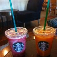 7/10/2013 tarihinde E. Koralziyaretçi tarafından Starbucks'de çekilen fotoğraf
