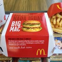 Foto tirada no(a) McDonald's por Leonardo D. em 11/5/2012